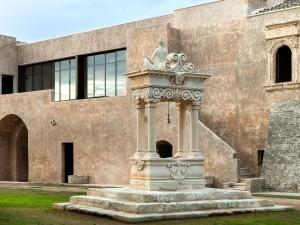 3. Loggia vetrata al primo piano della Casa monastica; Abbazia di Santa Maria di Cerrate, Casalabate (LE),  Foto di arenaimmagini.it,2015 © FAI - Fondo Ambiente Italiano